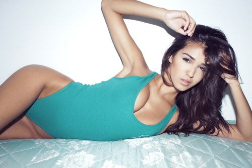 Lauryn Evarts talks with model, Ashley Sky about skinny tips and tricks for weight loss.