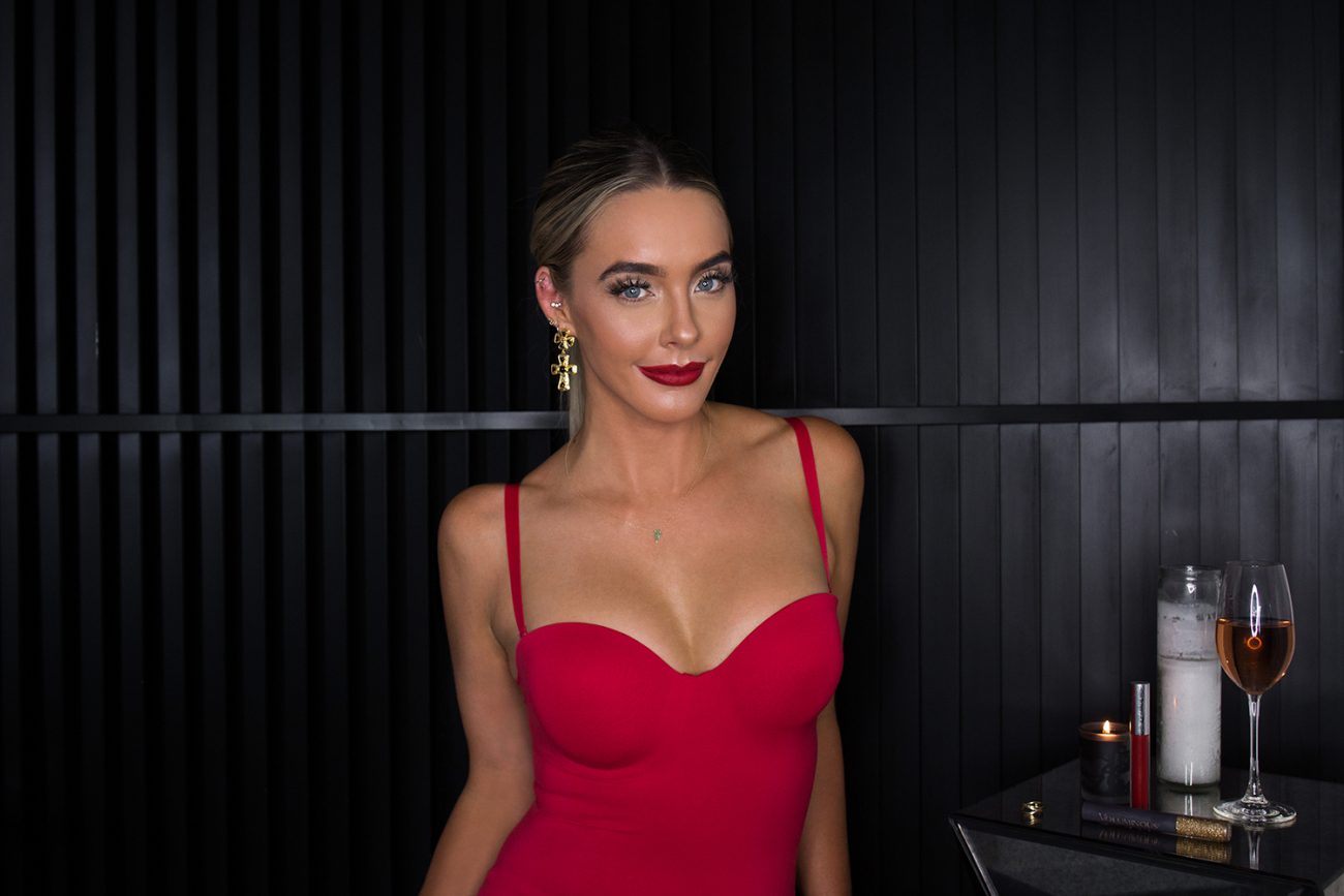 red dress red lips holiday style skinny confidential